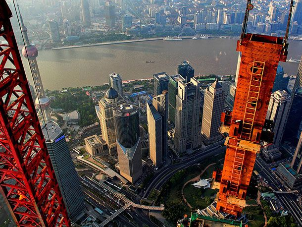 Stunning-Photographs-Of-Shanghai-Tower-By-Wei-Gensheng-5