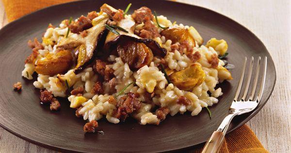 Risotto con castagne, salsiccia e funghi : Scopri come preparare questa deliziosa ricetta. Facile, gustosa e adatta ad ogni occasione. Questo primo ha un tempo di preparazione di 50 minuti.