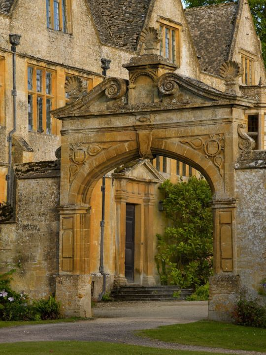 Stanway House, Jacobean manor house. Gloucestershire, England. Photo via stanwayfountain.co.uk