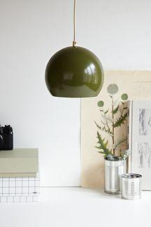 Grøn kugel lampe - 200kr. Køb den på www.loppedesign.dk