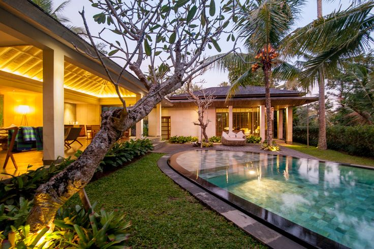 Luxury pool villas at Chapung Se Bali Resort&Spa, surrounded by rice paddies, 10min drive from Ubud. Best rates and services guaranteed for direct bookings.