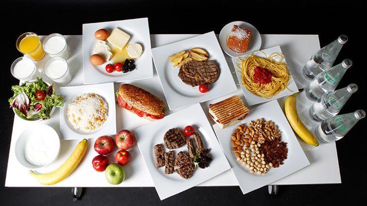 Un profesor de pediatría afirma que la importancia que se atribuye al desayuno es exagerada.