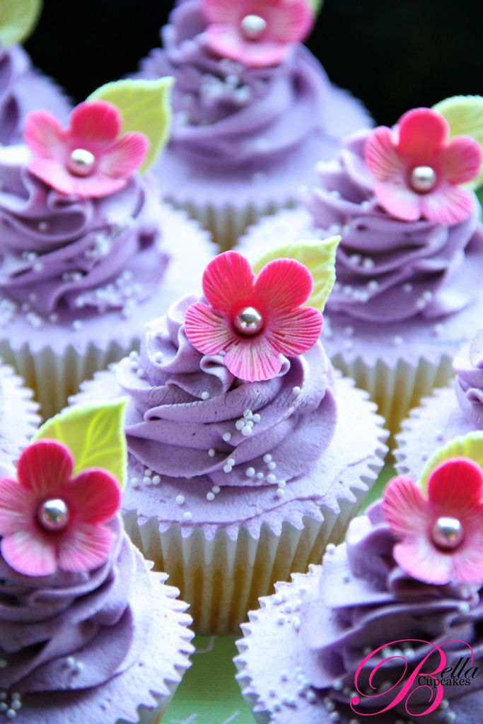 Purple and Pink Cup Cakes