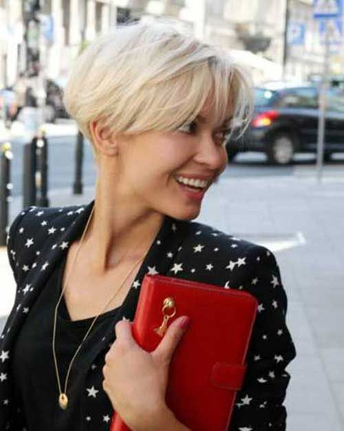 Pixie Bob - growing out a pixie cut