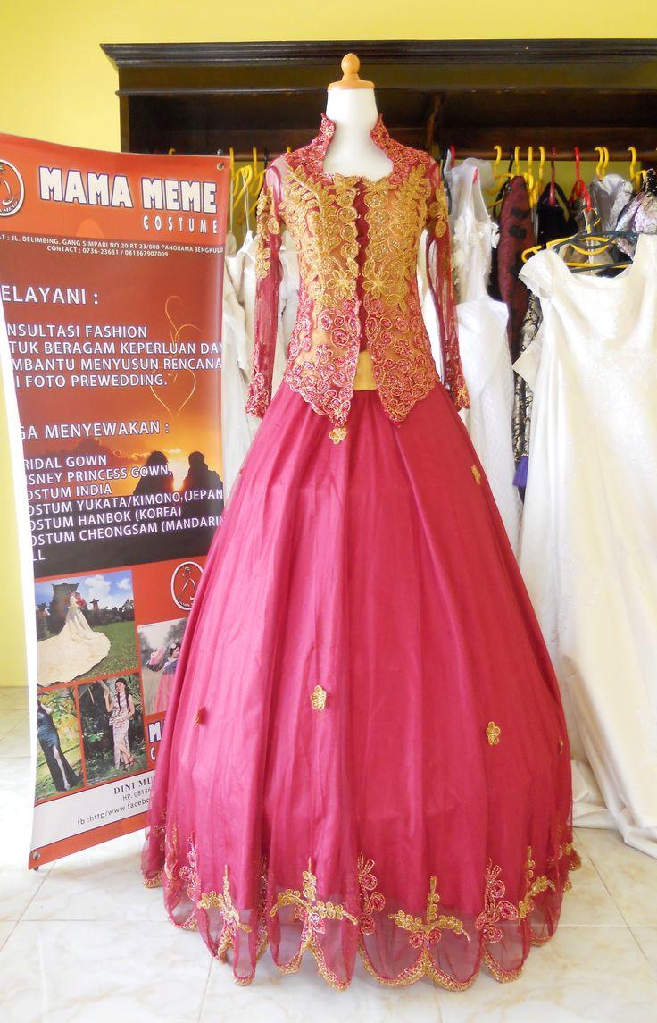 Kebaya Gown Marun by Mama Meme Costume