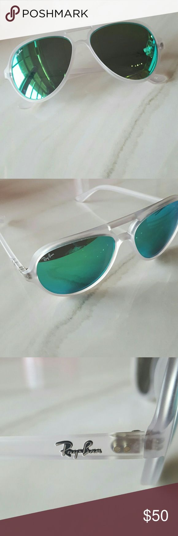 Ray Ban Green Mirror Aviators Clear Matte Lucite Frames with green mirrored lenses. Includes Ray Ban Case and Cloth. Ray-Ban Accessories Sunglasses