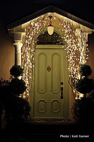 chicken wire outdoor decorations | Outdoor Christmas Decorations: Don't scare away the carolers ...