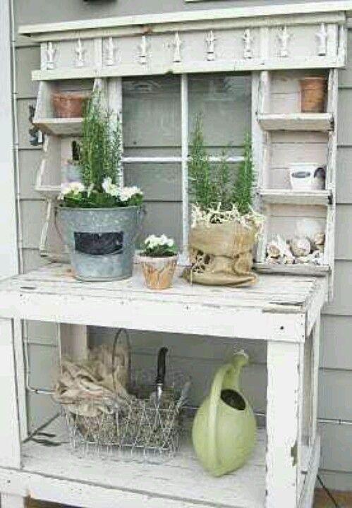 potting station