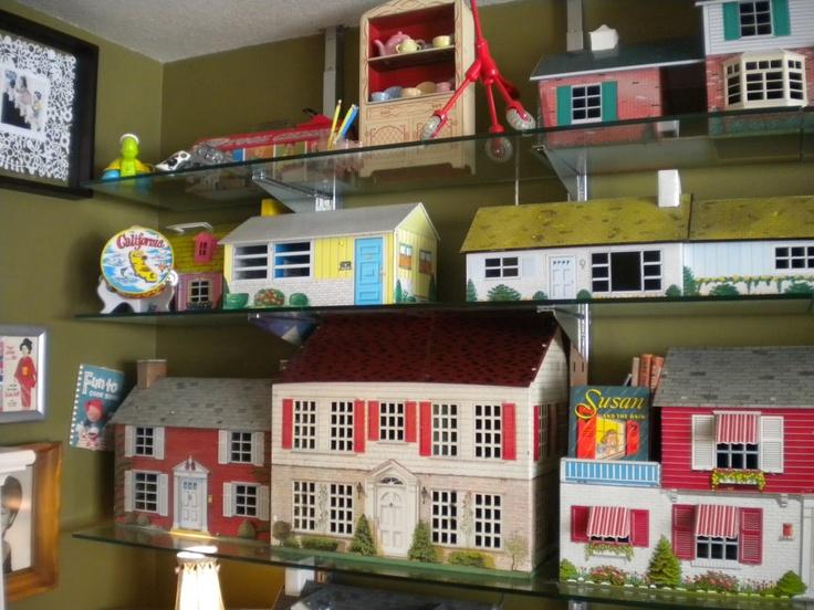 Tin Litho Dollhouse Colllection