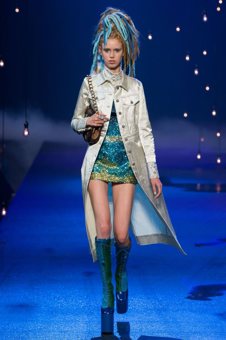 No one blinked at the marc jacobs fashion show when a model wore a - See The Complete Marc Jacobs Spring 2017 Ready To Wear Collection