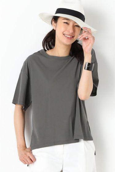 プレーン Tシャツ  プレーン Tシャツ 10260 2016SS IENA オーバーサイズのTシャツ 綿100のさらっとした生地感は夏も心地良く着られます ルーズなサイズ感は大人カジュアルなスタイルにぴったり 裾丈に前後差をつけたデザインはボトムにタックインでもアウトでもバランス良く着られます シリーズでワンピースもございます 品番16040900410020 取り扱いについては商品についている品質表示でご確認ください 製品洗い 製品洗いの微妙な色風合いサイズの違いがあります こちらの商品はIENAでの取り扱いになります 直接店舗へお問い合わせの際はIENA店舗へお願い致します モデルサイズ:身長:168cm バスト:81cm ウェスト:59cm ヒップ:88cm 着用サイズ:フリー