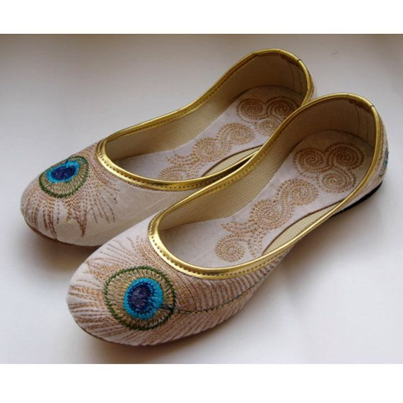 Bridal White Shoes/Gold Shoes/Wedding White Flats/Ethnic Shoes/Velvet Shoes/Handmade Indian Designer Women Shoes/Maharaja Style Shoes