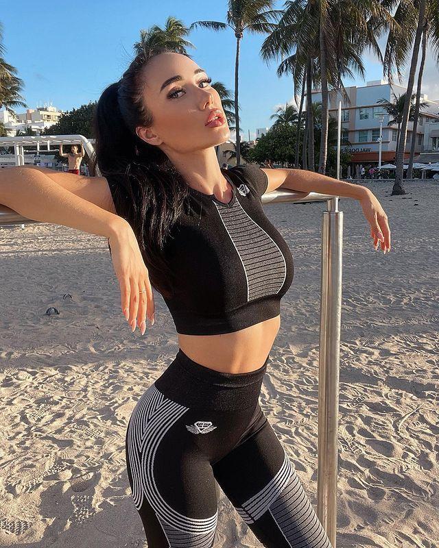 Nina Serebrova📍Miami 🇺🇸 (@ninaserebrova) • Fotos y vídeos