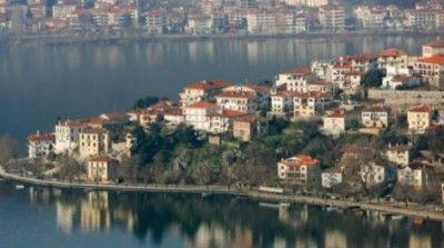 Μυστηριώδες πρόσωπο στα νερά της λίμνης της Καστοριάς!   Η αγάπη της για τη φωτογραφία την οδήγη...