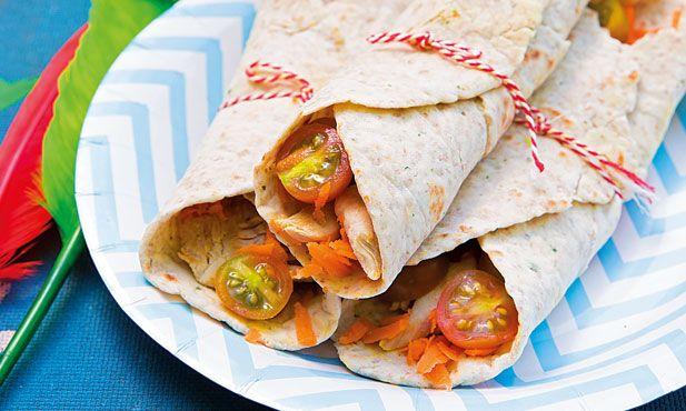 Receita de wraps com peito de frango, simples e de fácil preparação, tornam a sua refeição muito mais divertida. Experimente e delicie-se.
