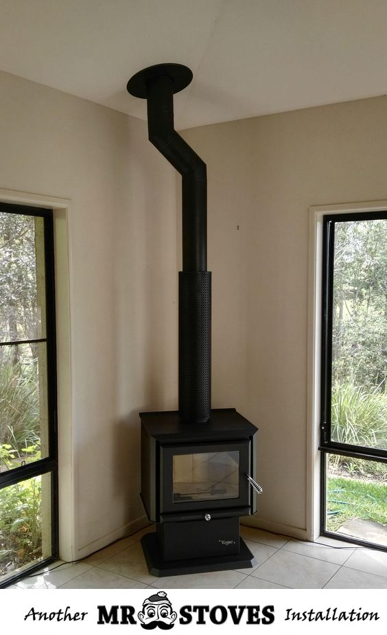 Vogue Navara corner installation. This particular install has kinked the flue away from the hip-line of the roof to avoid any beams