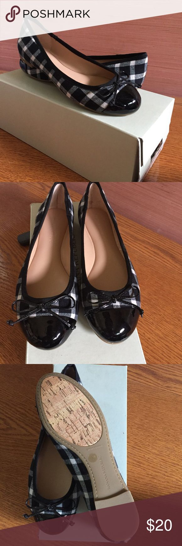 Never worn black and white checkered ballet flats Great flat for work or everyday! I've owned a few pairs and they're really comfortable! They run a half size big. Banana Republic Shoes Flats & Loafers