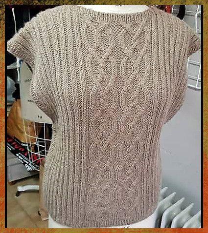 Poncho Lã Textura Tranças - 65% lã, 35% alpaca.
