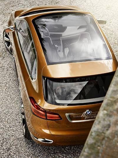 BMW Active Tourer Outdoor  http://www.autorevue.at/bmw/bmw-active-tourer-outdoor-frontantrieb-van-dreizylinder.html