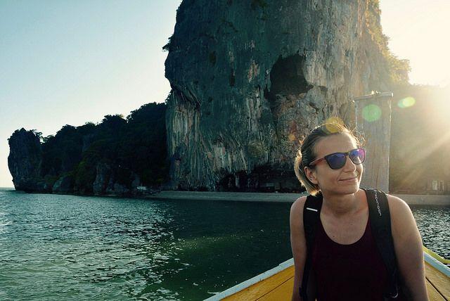 Balade matinale pour explorer l'incontournable baie de Phang Nga au large de Phuket. #phuket