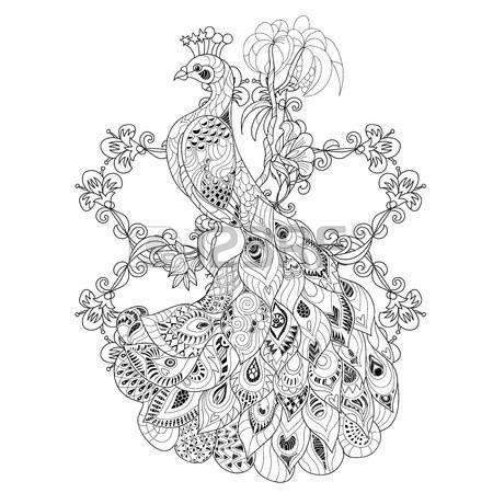 arte Zen pavo real estilizado dibujado mano de la ilustración del vector. Boceto para el tatuaje o makhenda. estilo boho colección de aves. Vectores