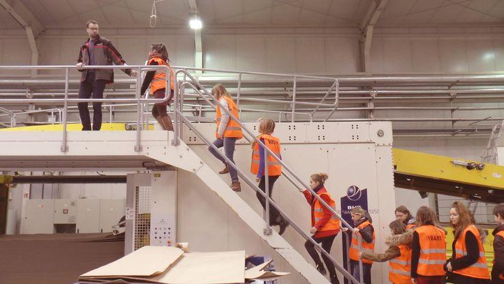 Na początku powstał tekturowy Schowroom, następnie studenci zaprojektowali i wykonali składane z tektury kajaki, które wodowali w czerwcu na Wdzie. http://artimperium.pl/wiadomosci/pokaz/608,tekturowe-kajaki-i-nie-tylko-studencki-design-na-wodzie#.VYsH6_ntmko