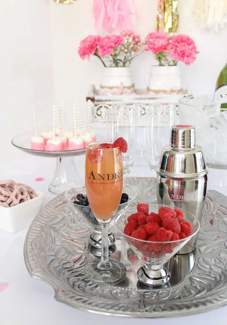 Perfect for a girls night in! Flirtini Cocktails with Andre Champagne #sp #epicwithandre