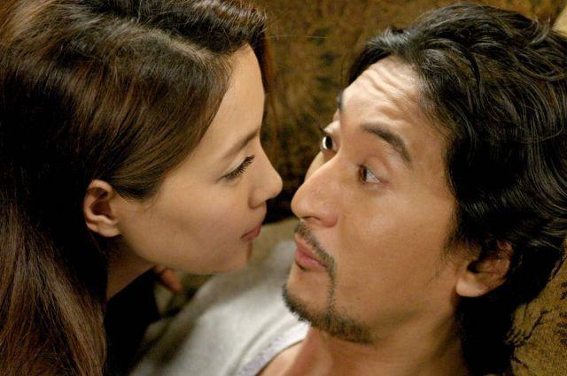 "[HanCinema's Film Review] ""Marrying the Mafia II"" + DVD Giveaway"