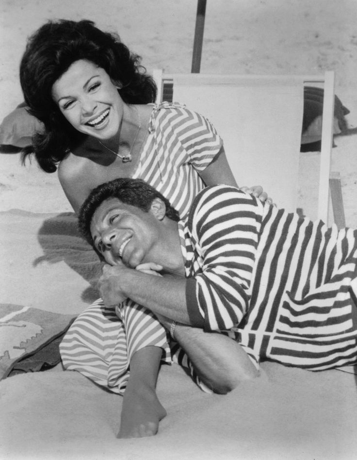 Annette Funicello & Frankie Avalon I adored  old Funicello movies when I was a girl.