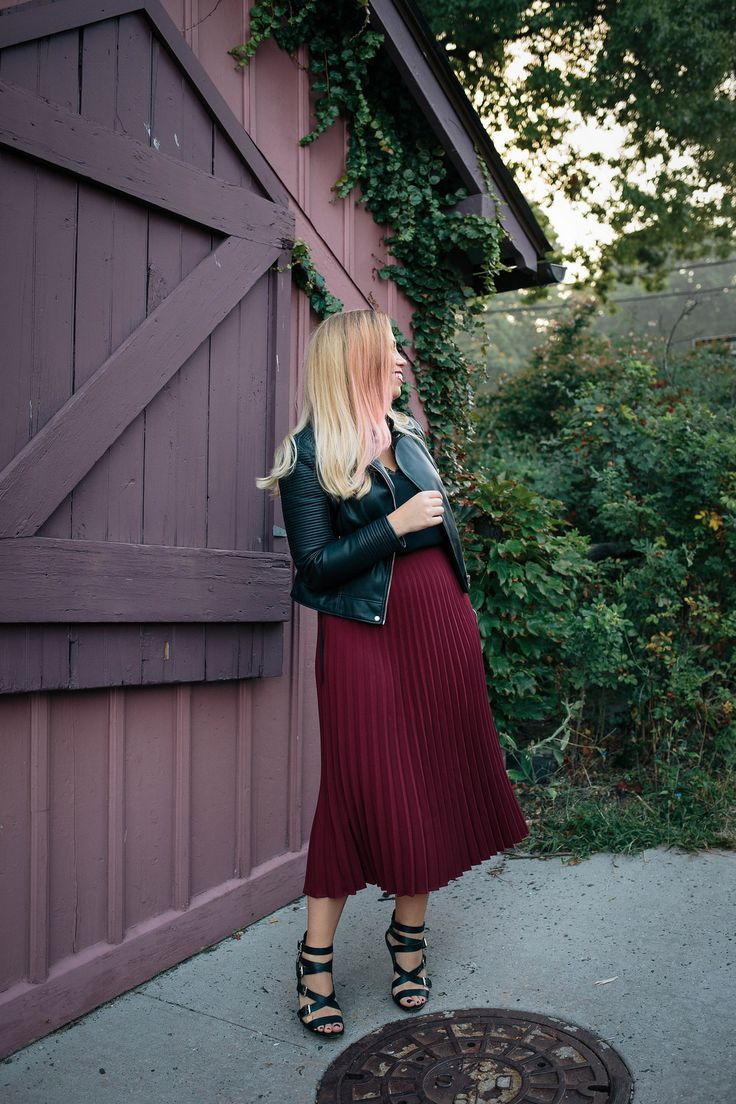 The Hottest Colors To Wear This Fall Pantone Fall 2017 Tawny Port Style Inspiration Fall Fashion Blogger Outfit Fashion