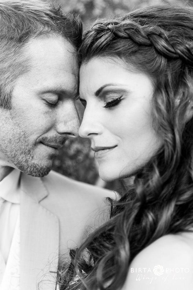 wings of love - wedding photo - www.birtaphoto.com #lovephotography #Wien #Bestphotographer