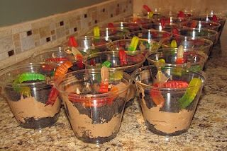 Kids will loves these individual Dirt Cups: Chocolate pudding, cream cheese, Cool Whip, crushed up Oreos, and gummy worms #sweet #Concessionstand
