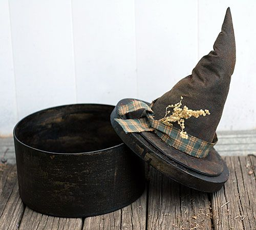 Primitive witch hat box - clever and wicked cool! I have an old hat box...this gives me an idea for Halloween!