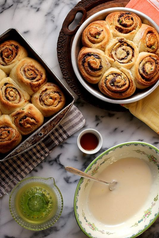 Pistachio Orange and Dark Chocolate Cinnamon Rolls and a visit to the Pioneer Woman's Ranch!  / joy the baker