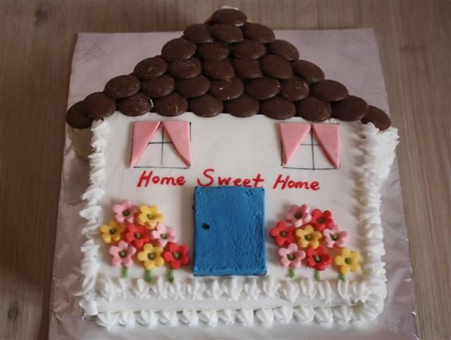 Want to do this but with cupcakes! Use 24 cupcakes (16 for square 8 for roof). House with vanilla frosting, roof with chocolate!