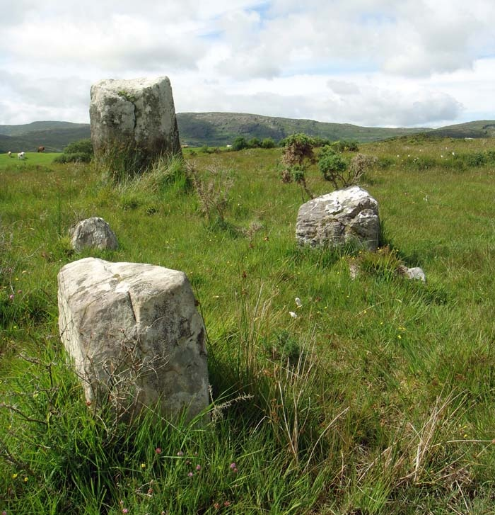 ancient stone circle on private grounds, Glengarriff, County Cork. Creativity and inspirations from Ireland Kreativ-Alltag im blauen Cottage in Irland: Irland | Ireland