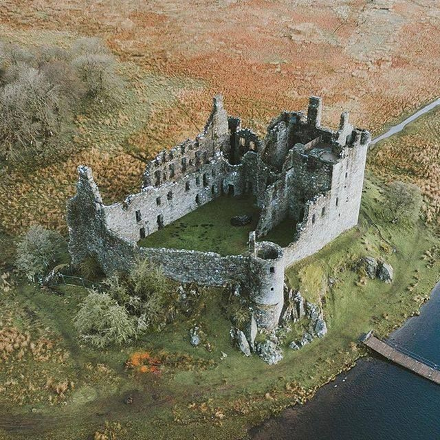 Kilchurn Castle ruins