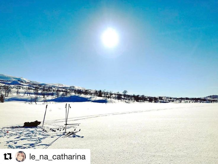 Det var en gang vinter... så ble det vår... så ble det vinter igjen . #reiseliv #reisetips #reiseblogger #reiseråd  #Repost @le_na_catharina with @repostapp  Memories  #mountains #ice#snow #sun#sky  #nortrip #norgefoto #norway