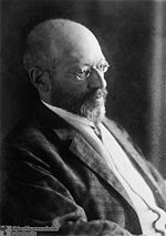 Georg Simmel - Wikipedia, the free encyclopedia. One of Ping's favorite authors.