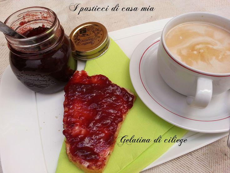 Ecco la mia gelatina di ciliege, ricetta tragicomica, ma alla fine ottima per colazione o merenda o per decorare o farcire dolci fatti in casa