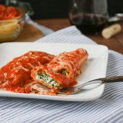 Spinach Manicotti with Tomato Cream Sauce- a quick and easy, but elegant weeknight meal.