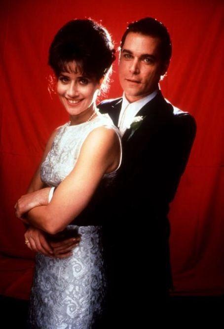 Lorraine Bracco & Ray Liotta in Goodfellas (1990).