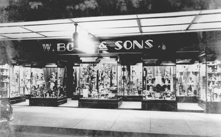 W. Boys & Sons Department Store, Adelaide Street, Maryborough, ca. 1960 / Picture Fraser Coast, Maryborough, Wide Bay and Burnett Historical Society http://www.frasercoast.qld.gov.au/picture-fraser-coast | thefashionarchives.org
