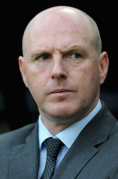 Steve Kean Photos Photos - Blackburn manager Steve Kean looks on during the Barclays Premier League match between Newcastle United and Blackburn Rovers at St James' Park on September 24, 2011 in Newcastle upon Tyne, England. - Newcastle United v Blackburn Rovers - Premier League