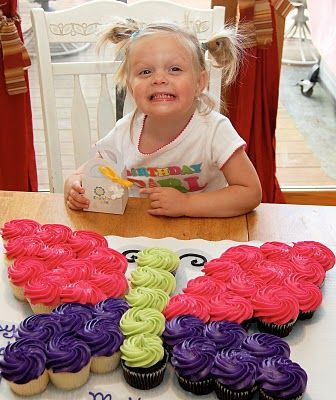@Mandi Miller   this might be a great for you..  butterfly cake ...i;m thinking for Lilly's birthday just doing cupcakes