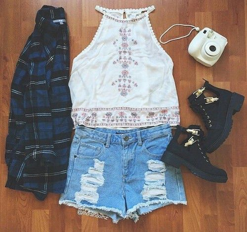 Image via We Heart It #beauty #black #boots #clothes #cool #fashion #fujifilm #girl #hippie #hipster #jeans #outfit #pale #photo #photography #pretty #shoes #shorts #style #summer #top #tumblr #white #cute #perfect #​beautiful #instax8mini