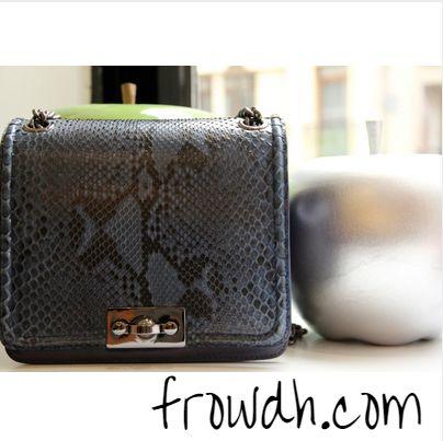 Sizi gerçek yılan derisi çantalarla tanıştırmak istedik. Jinanu çantalarınızı Frow tasarımları ile birleştirin! #design #tasarım #stil #fashion
