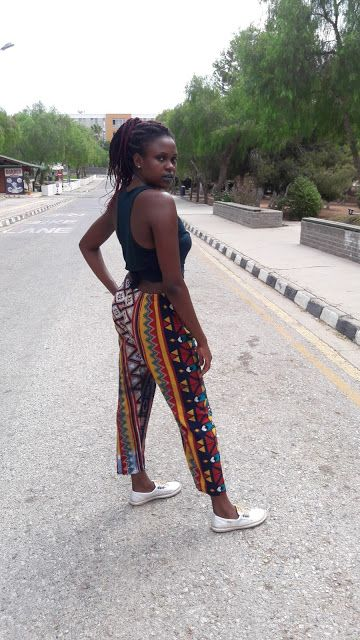 Printed Pants. How I rock a pair of loose pants for the summer.