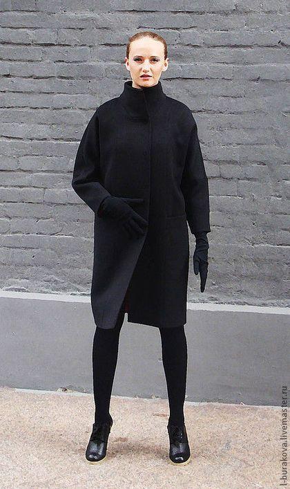 Купить или заказать Стильное пальто из шерсти в интернет-магазине на Ярмарке Мастеров. Чёрное пальто из шерсти с цветным подкладом в стиле минимализм, (в наличии имеются пальто в других цветовых вариантах).