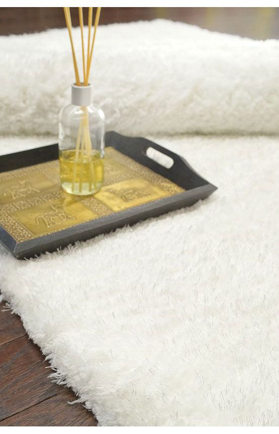 Rugs USA Grace Soft Shag Snow Rug. Rugs USA Summer Sale Up To 80%